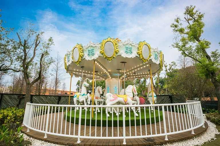 酒店強調親子元素,其中旋轉木馬可不限次數免費搭乘,是最受歡迎的設施。