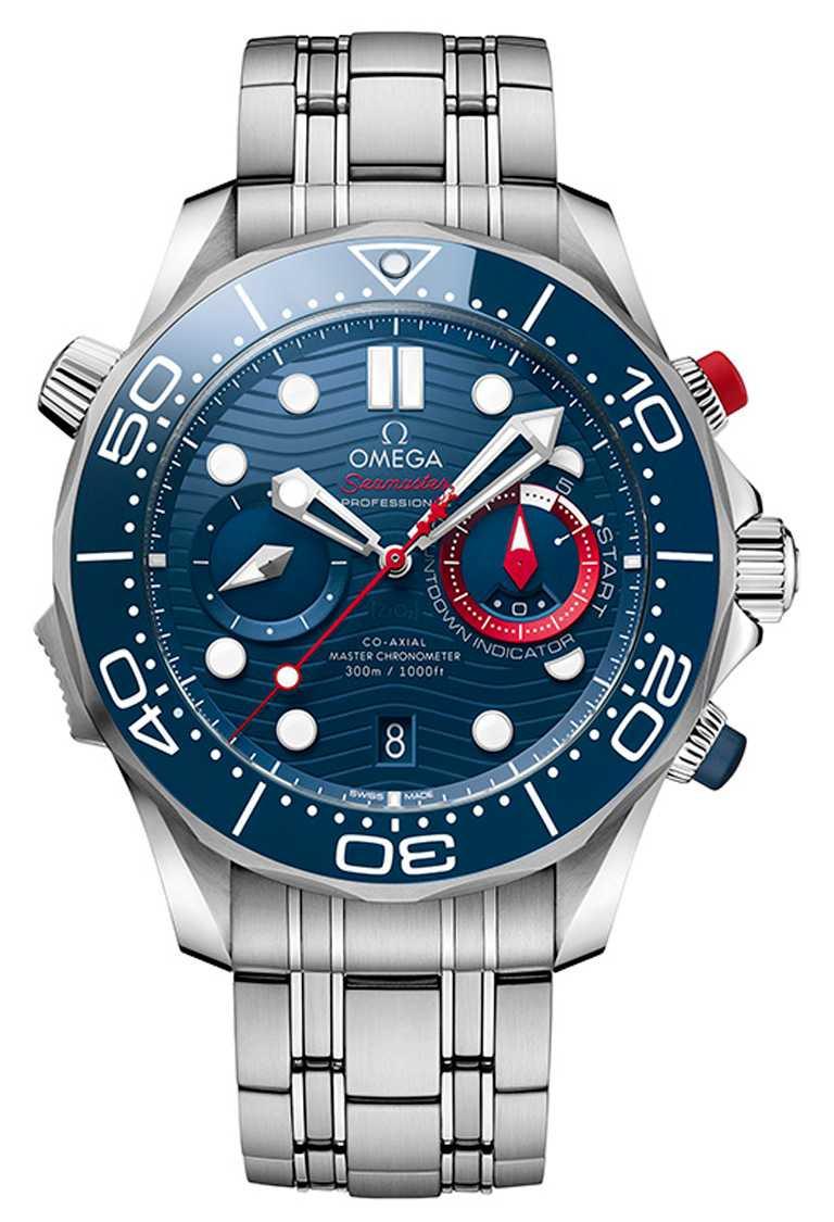 OMEGA「Seamaster海馬潛水300米」系列美洲盃計時碼錶,44mm,不鏽鋼錶殼、錶帶,9900型同軸擒縱大師天文台機芯╱336,000元。(圖╱OMEGA提供)