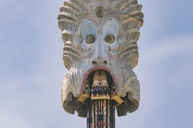 「大怒神」從17層樓高瞬間降落,有懼高症的朋友要想清楚再搭!