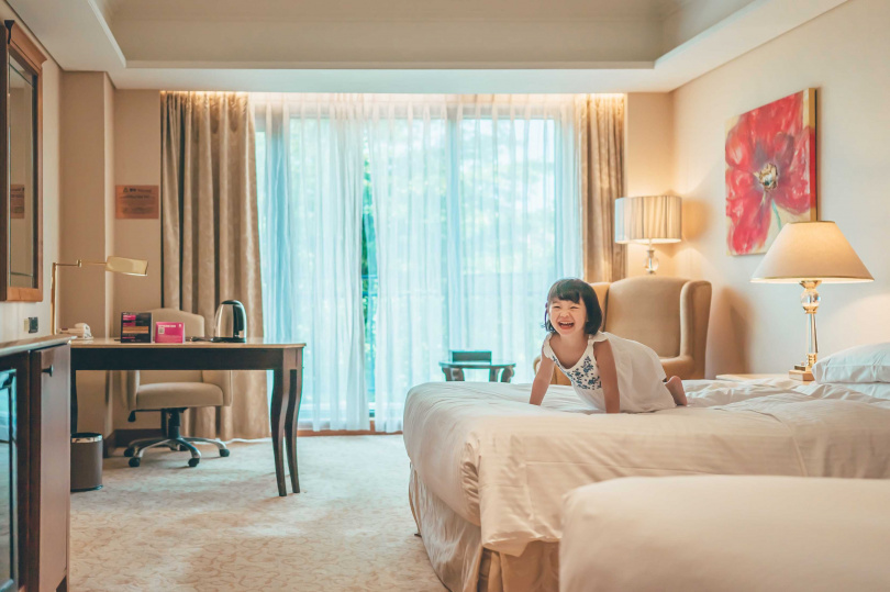 「義大皇家酒店」推出住宿專案,四人房僅需3,999元。