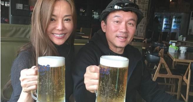 孫鵬24日凌晨兩點喝酒後與計程車司機吵架,遭到鄰居抗議。(圖/翻攝狄鶯臉書)