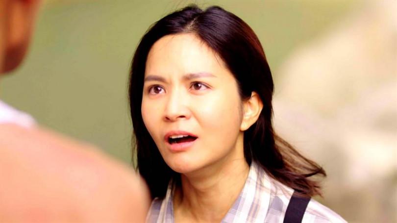 吳怡霈在《天之蕉子》哭戲多,急著尋覓好眼霜。(圖/三立提供)