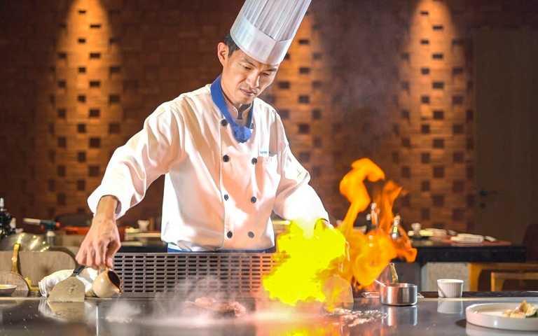 台南大員皇冠假日酒店 日本新年鐵板燒套餐。