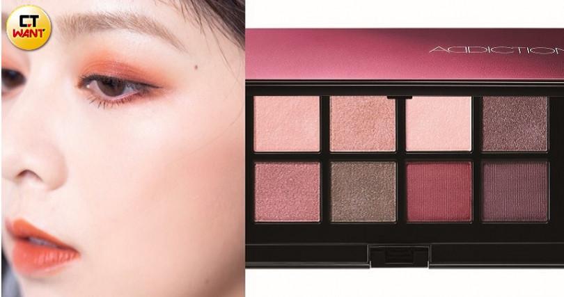 楓葉感的焦糖色眼妝,讓眼神變得高級有魅力。ADDICTION癮彩派對眼影盤 #002/2,340(圖/莊立人攝、品牌提供)