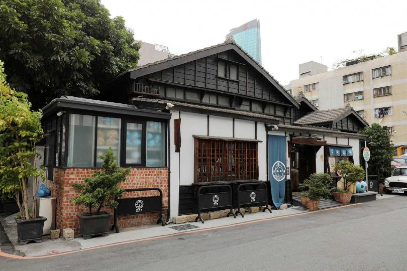 外觀樸實的木造日式老屋,裡頭卻是「貓貓蟲咖波」的歡樂天堂!(圖/于魯光攝)