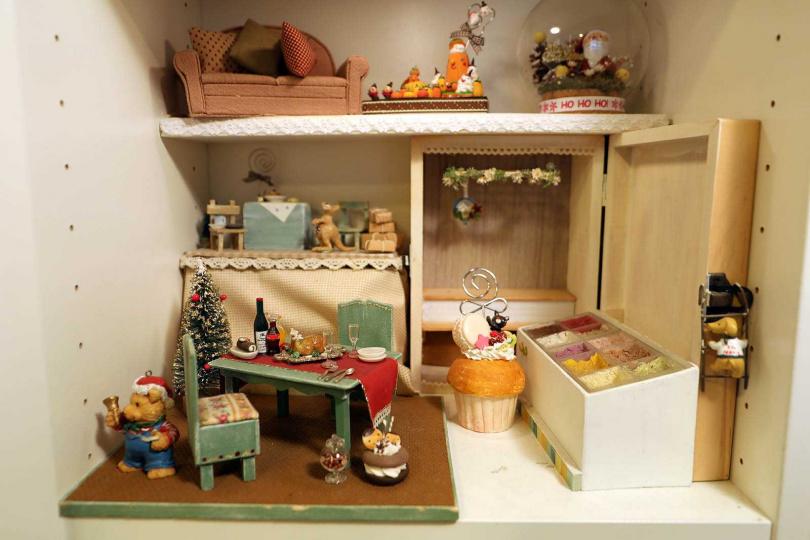 在「小食手感空間」,客人可自行「點餐上課」,用黏土及紙張手作袖珍食物。(圖/于魯光攝)