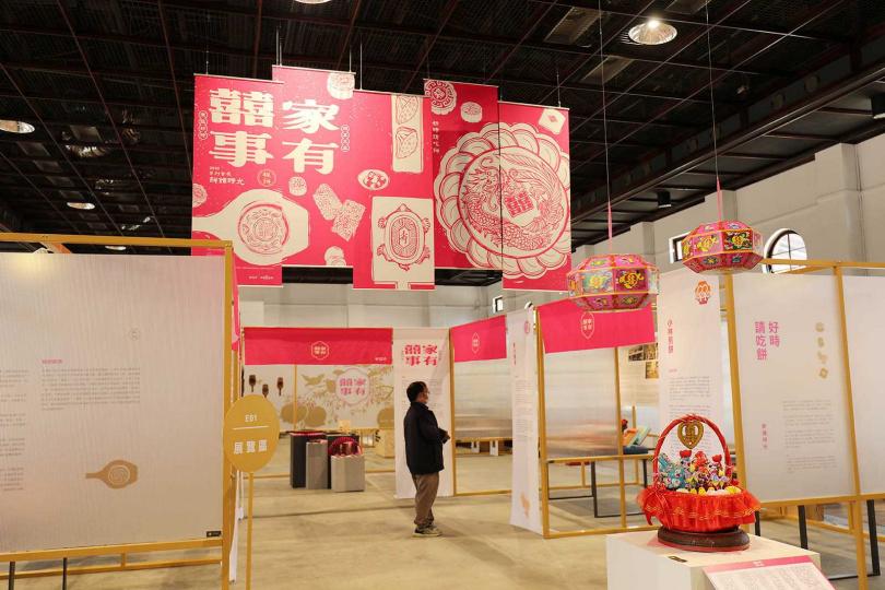 「帝國製糖廠」室內主要作為展演場地,規劃不同的主題展,介紹在地的產業文化。(圖/于魯光攝)