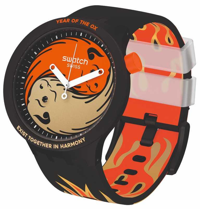 SWATCH「BIG BOLDS」系列,「牛轉乾坤」牛年生肖特別腕錶,47mm╱4,100元。(圖╱SWATCH提供)