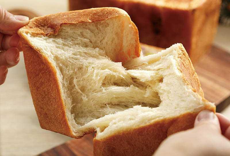 麵糰中加入魯邦種、湯種的「不老吐司」最能品嘗到夢幻麵團的柔軟和韌性,單純的小麥香氣和甜味,經過3天依舊存留在吐司上頭。(150元)(圖/于魯光攝)