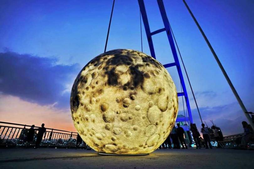 月球與銀河環繞的告白求婚場地,於5/20起開放。