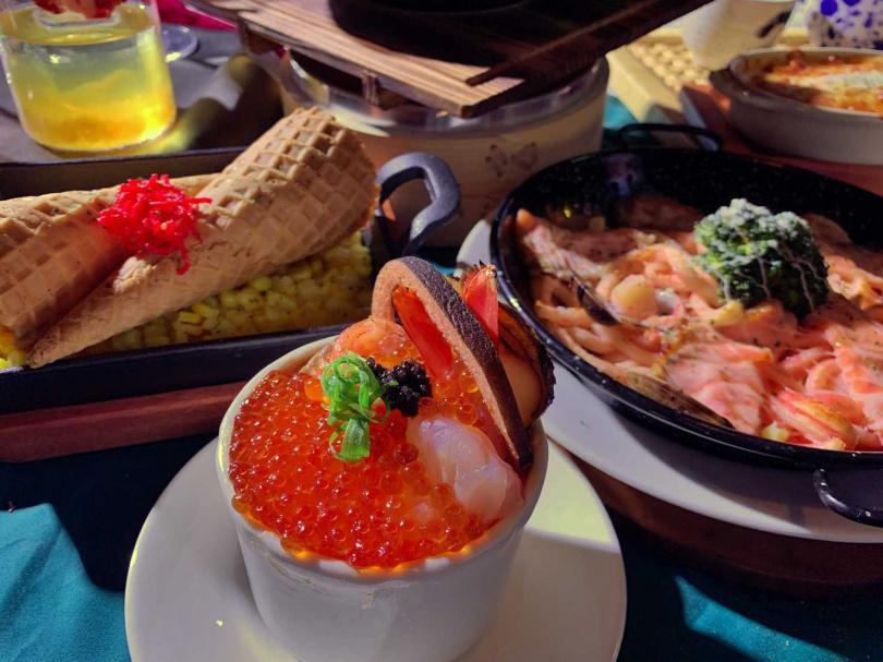 結合阿根廷天使蝦、鮭魚卵的蒸蛋,海味滿滿。(圖/官其蓁攝)