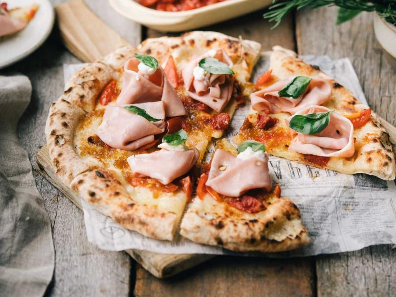 「煙波台南館」即日起外帶全品項披薩享8折優惠。