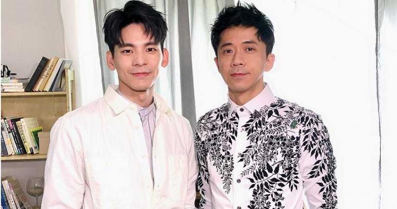 光良(右)新歌MV邀來金馬獎男配角得主林柏宏(左)一人分飾兩角。(圖/星娛音樂提供)