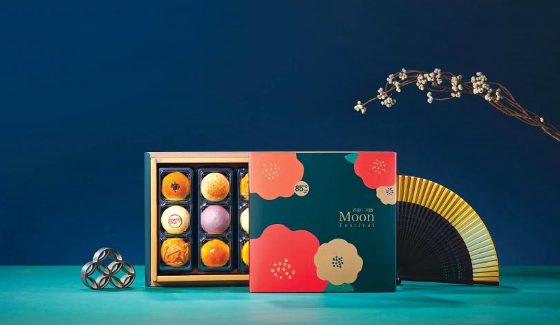 「花好月圓」有著超高CP值,一次可品嚐到六種口味。