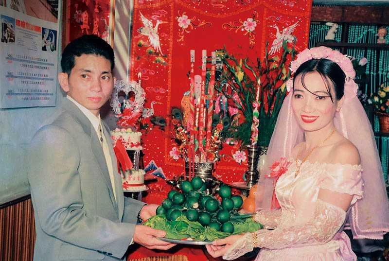 38歲的女香和40歲的李清池先生結為連理,戲劇性的過程真是應了「婚姻天註定」這句話。(圖/曾女香提供)