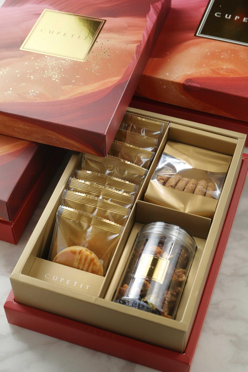 喜歡喜氣的喜餅,可選擇以大地女神為謬思的「蓋亞緋紅」。(PM、10入盒型,758元)