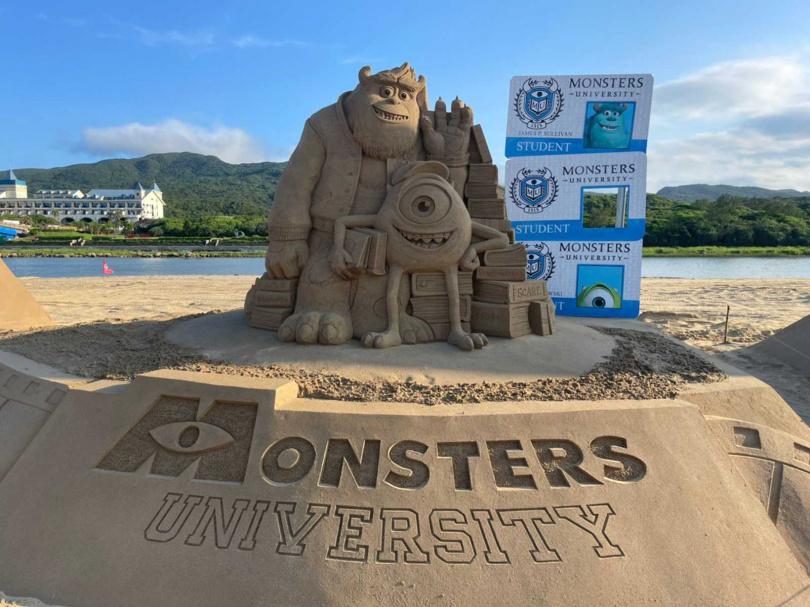 《怪獸大學》的毛怪與大眼仔變身沙雕,預計將成為打卡熱點之一。