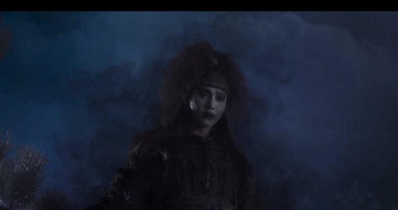 安孝燮在劇中飾演可以讀懂星象的西門館主簿「河覽」,體內還封印了魔王。(圖/截圖自friDay影音)