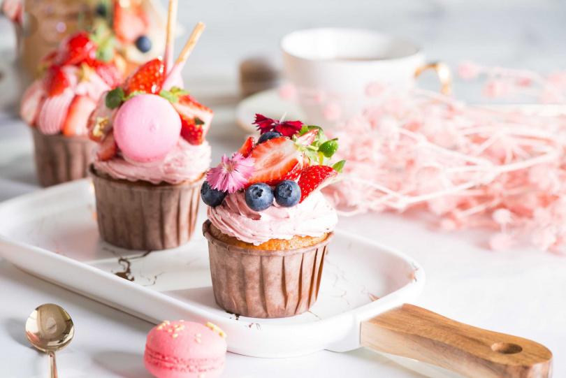 粉紅佳人杯子磅蛋糕。(圖/礁溪寒沐酒店提供)