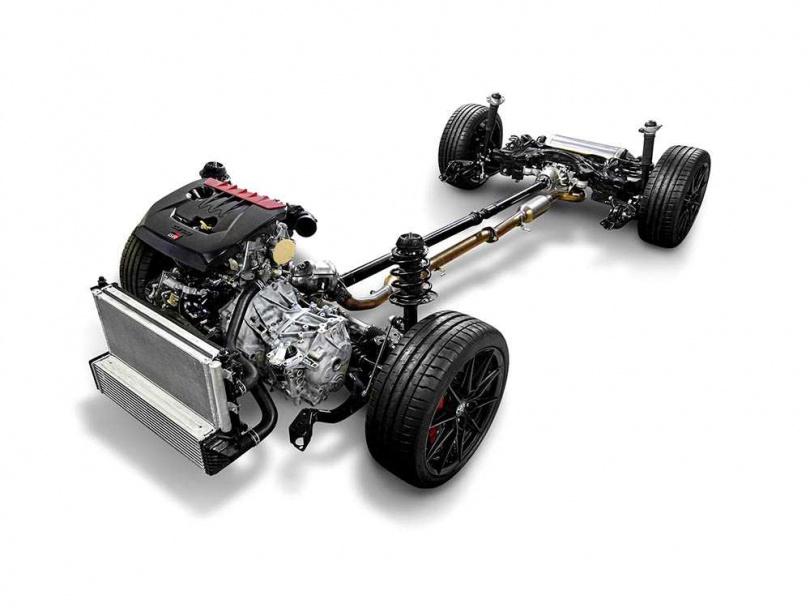 有別於平價版,採用的是GA-B模組化底盤,不僅剛性大幅提升,在高速行駛間的穩定性都經過數百次調校。(圖/TOYOTA提供)