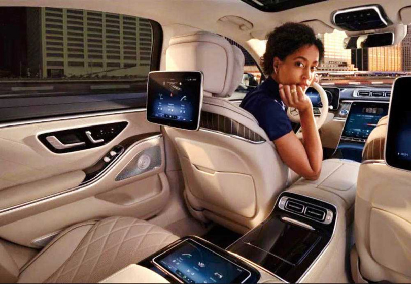 2021年新款S-Class,將搭載Mercedes Travel Knowledge,具備AI自適軟體,能提供給駕駛個人化的資訊。(圖/中華賓士提供)