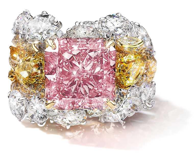 CINDY CHAO Type IIA型濃彩粉紅鑽建築戒指╱價格店洽。(圖╱CINDY CHAO提供)