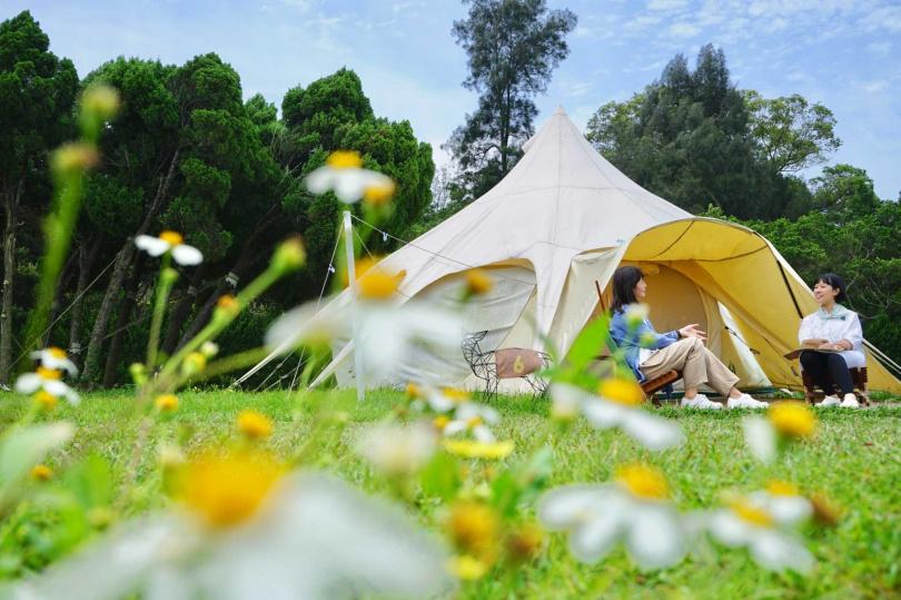 「露營防疫旅遊泡泡」有著寬敞的空間場域,能落實社交距離。
