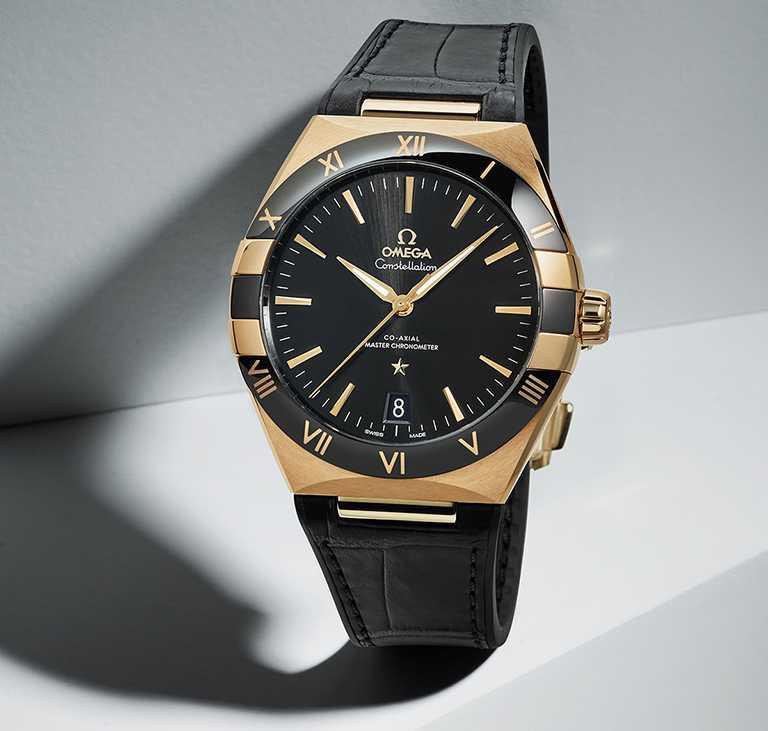 OMEGA「Constellation星座」系列腕錶,41mm,18K黃金錶殼,同軸擒縱大師天文台8901型機芯╱700,000元。(圖╱OMEGA提供)