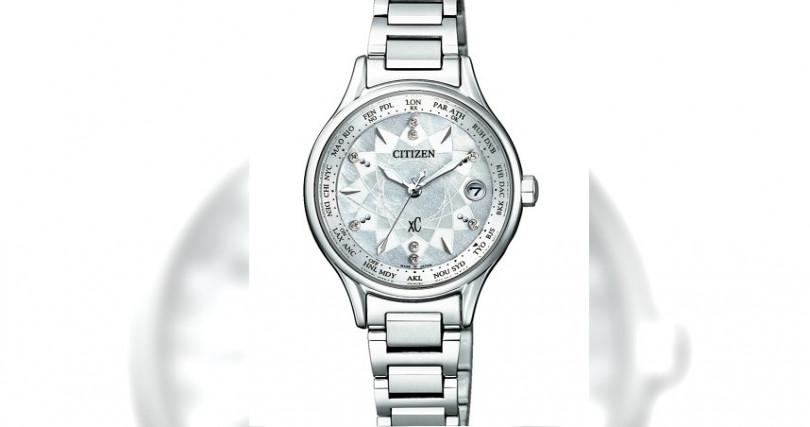 星辰EC1160-54W全球電波腕錶/鈦合金材質,錶徑28mm/光動能機芯/電波自動校時,24個城市時間/防水50米/台灣限量20只/定價:35,800元(圖/星辰表)