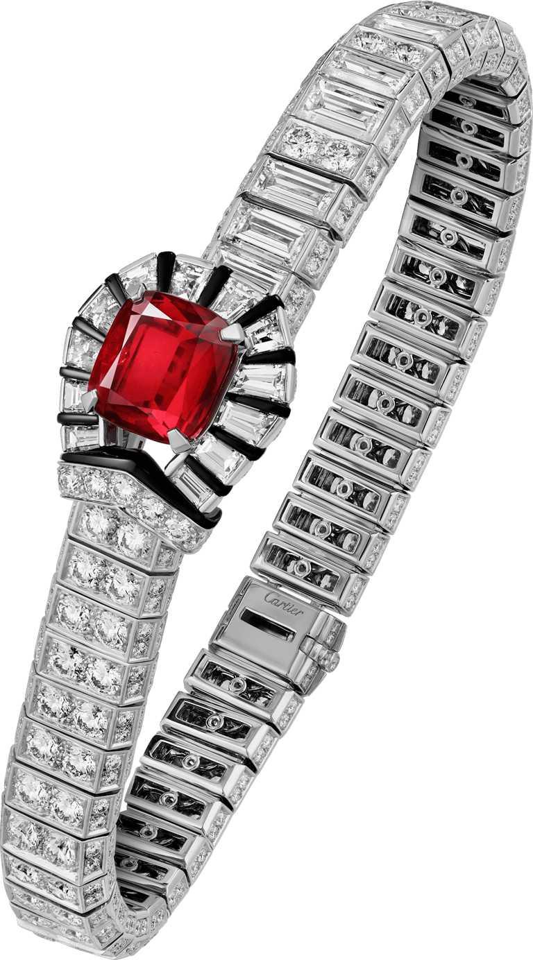 Cartier「RED BOUCLE」系列,紅色搭扣紅寶石手環╱23,100,000元。(圖╱Cartier提供)