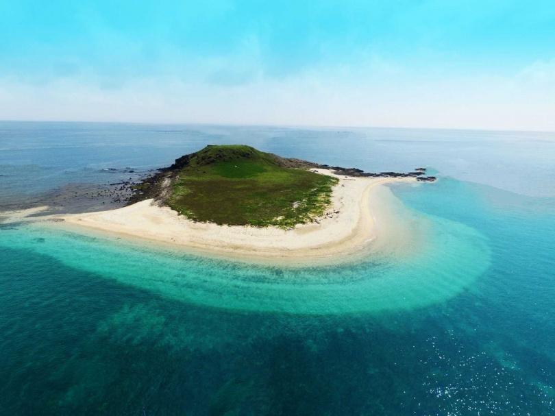澎湖秘境跳島一日遊:忘憂島浮潛、無人島探險、頭巾嶼、南方四島。(圖/KKDAY提供)