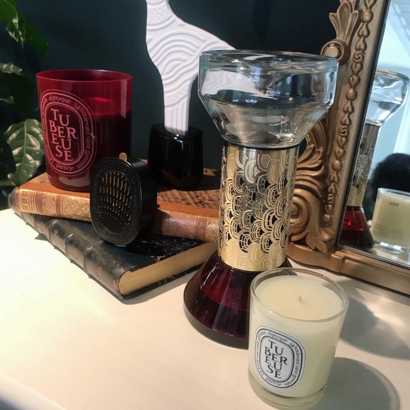 右1右2,diptyque蠟燭與擴香精。(圖/黃筱婷攝影)