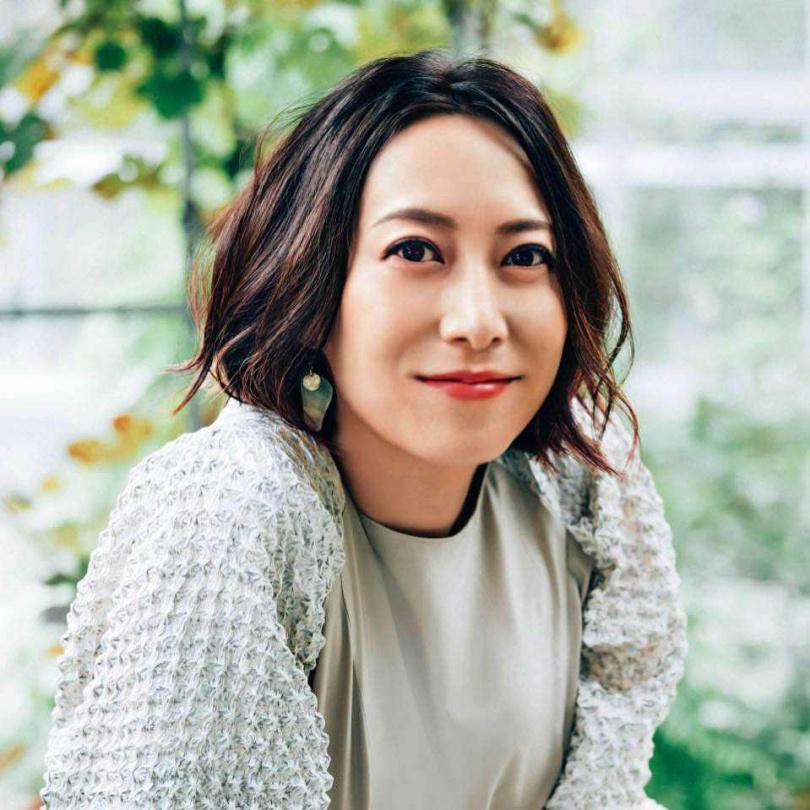 曾登上日本NHK紅白歌唱大賽的知名歌手一青窈,是Amy Liu的表姨。(圖/翻攝自一青窈臉書)