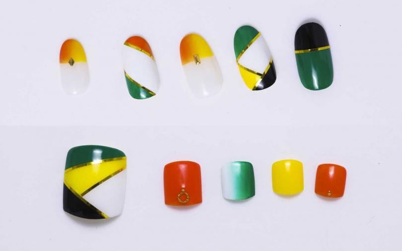 雖然乍看之下每個甲片的設計都不一樣,但因為都是運用了相同的指彩顏色,所以一點也不覺得繁複,而且意外地也很好跟夏天的服裝做搭配喔。(圖/戴世平攝)