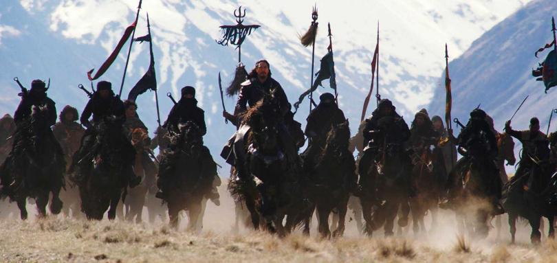 《花木蘭》的浩大戰爭場面,令觀眾相當期待。(圖/迪士尼提供)