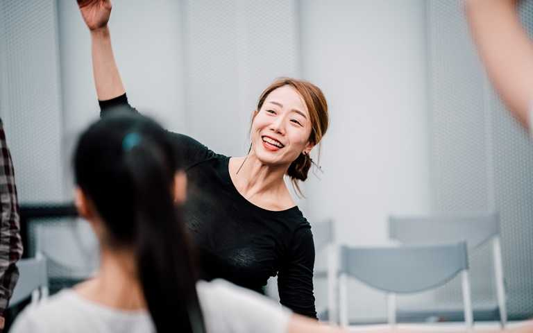 韓國音樂劇編舞洪世正(HONG Se-Jung)擔任工作坊肢體表演導師。