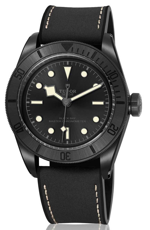 TUDOR「Black Bay Ceramic碧灣陶瓷」型腕錶,41mm,微珠噴砂啞黑色陶瓷錶殼,MT5602-1U型自動上鏈機芯╱150,500元。(圖╱TUDOR提供)