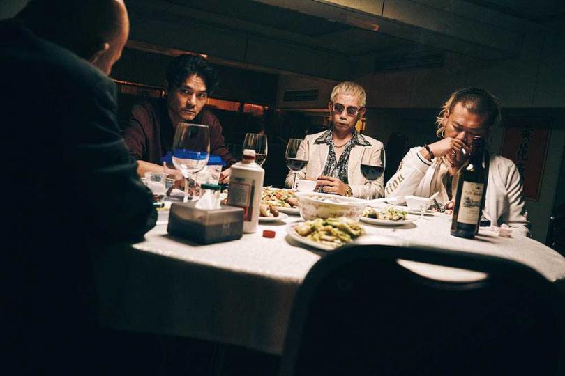講述江湖兄弟義氣的《手捲煙》,以正宗港片風味大受觀眾喜愛。(圖/CATCHPLAY提供)