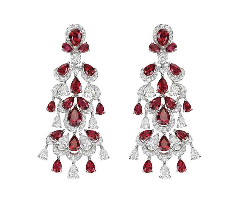 頂級珠寶系列紅寶石耳環,鑲嵌總重8.16克拉紅寶石,定價:3,638,000元。(圖/Chopard提供)