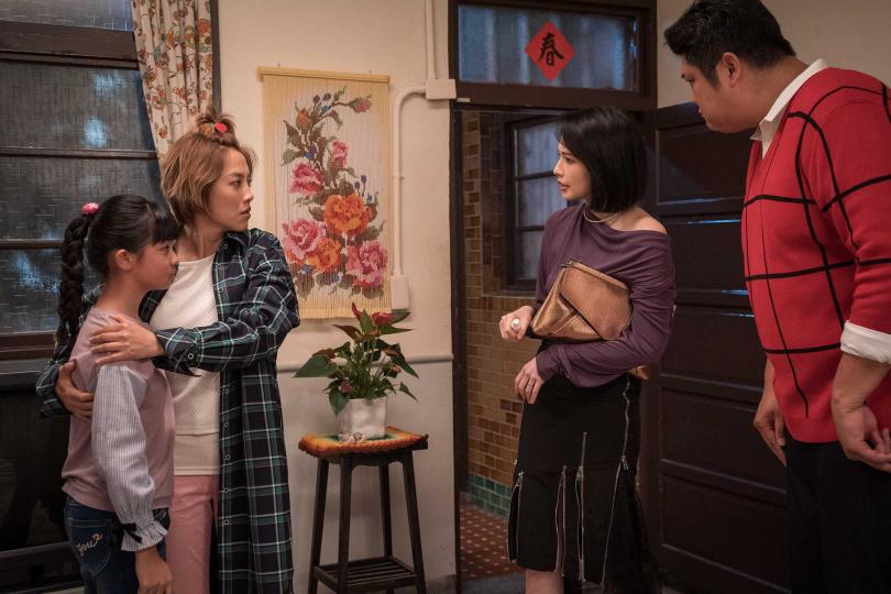 袁艾菲和哈孝遠客串演出《姊妹們 追吧》。(圖/東森)