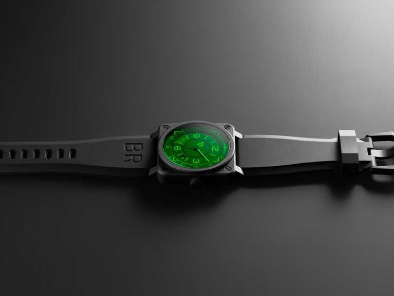 Bell & Ross「Instruments系列」BR 03-92 H.U.D腕錶,黑色陶瓷錶殼,42mm,限量999只╱132,000元。(圖╱Bell & Ross提供)