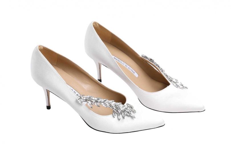 MANOLO BLAHNIK寶石釦高跟鞋/約30,685元(圖/戴世平攝)