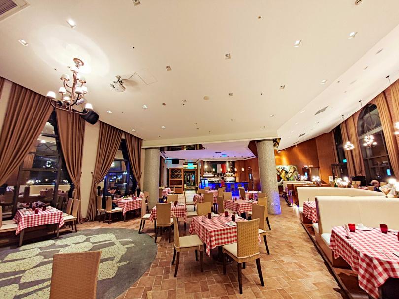 Casa Fontana義大利餐廳洋溢濃濃異國風情。