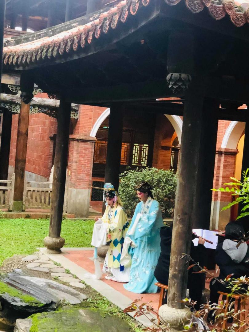 台灣崑劇團演出《玉簪記-偷詩》。(圖/余玫鈴攝)