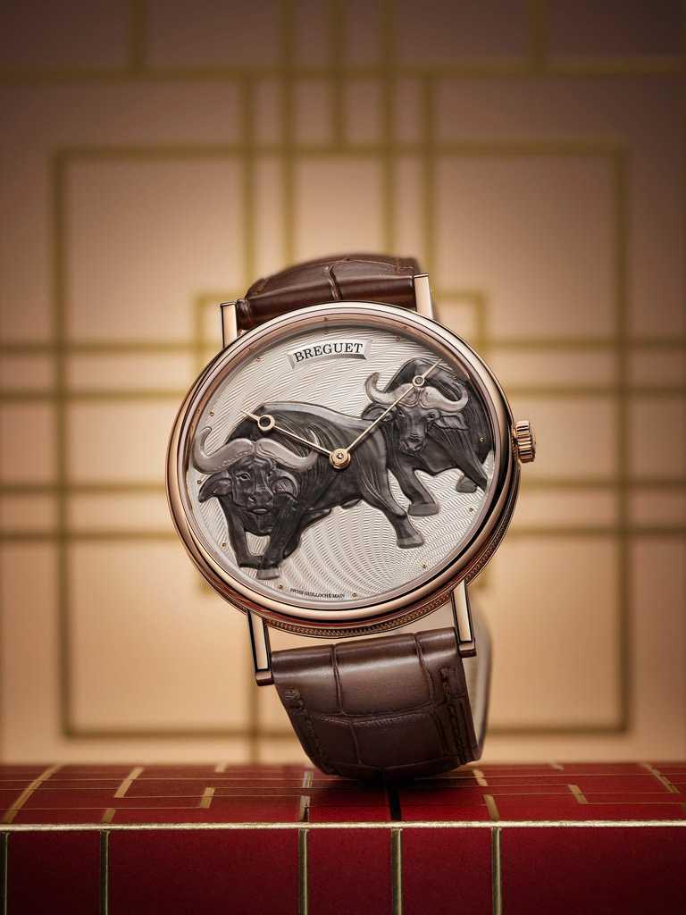 BREGUET「Classique 7145」牛年生肖限量腕錶╱1,586,000元(圖╱BREGUET提供)