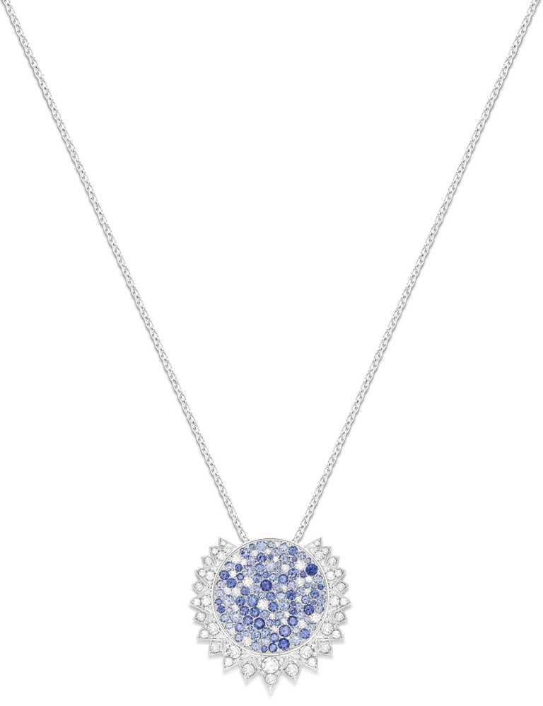 PIAGET「Sunlight」系列,18K白金藍寶石及鑽石墜鍊╱625,000元。(圖╱PIAGET提供)