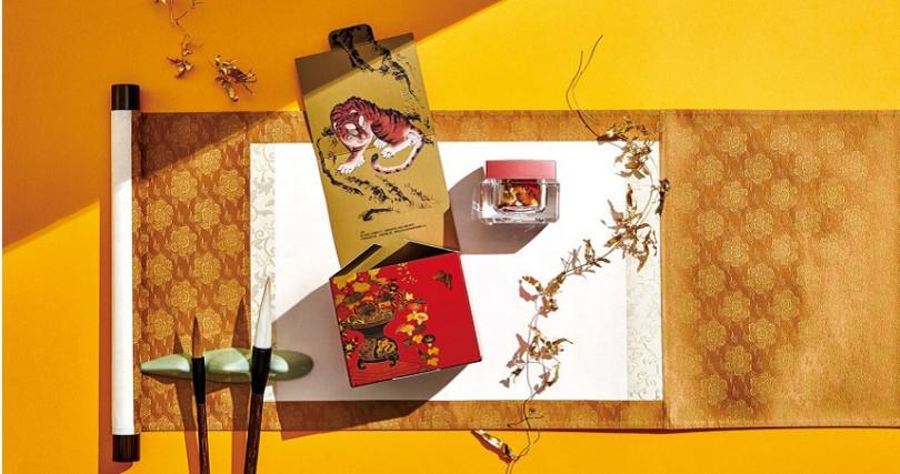 京城之霜10周年典藏版與歷史博物聯名,釋出未授權過的2幅珍貴藏《立式花蝶大繡片》與《虎》。(圖片/品牌提供)