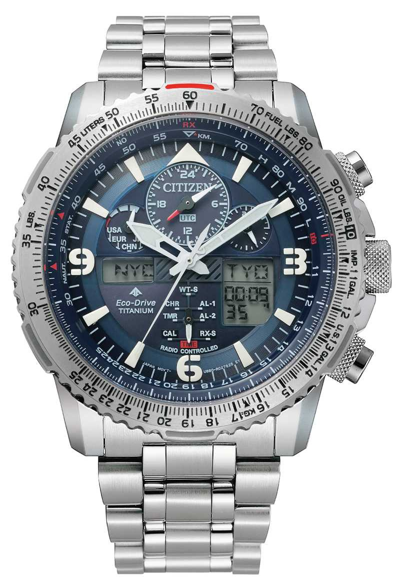 CITIZEN「PROMASTER」鈦金屬飛行腕錶╱33,900元(圖╱CITIZEN提供)