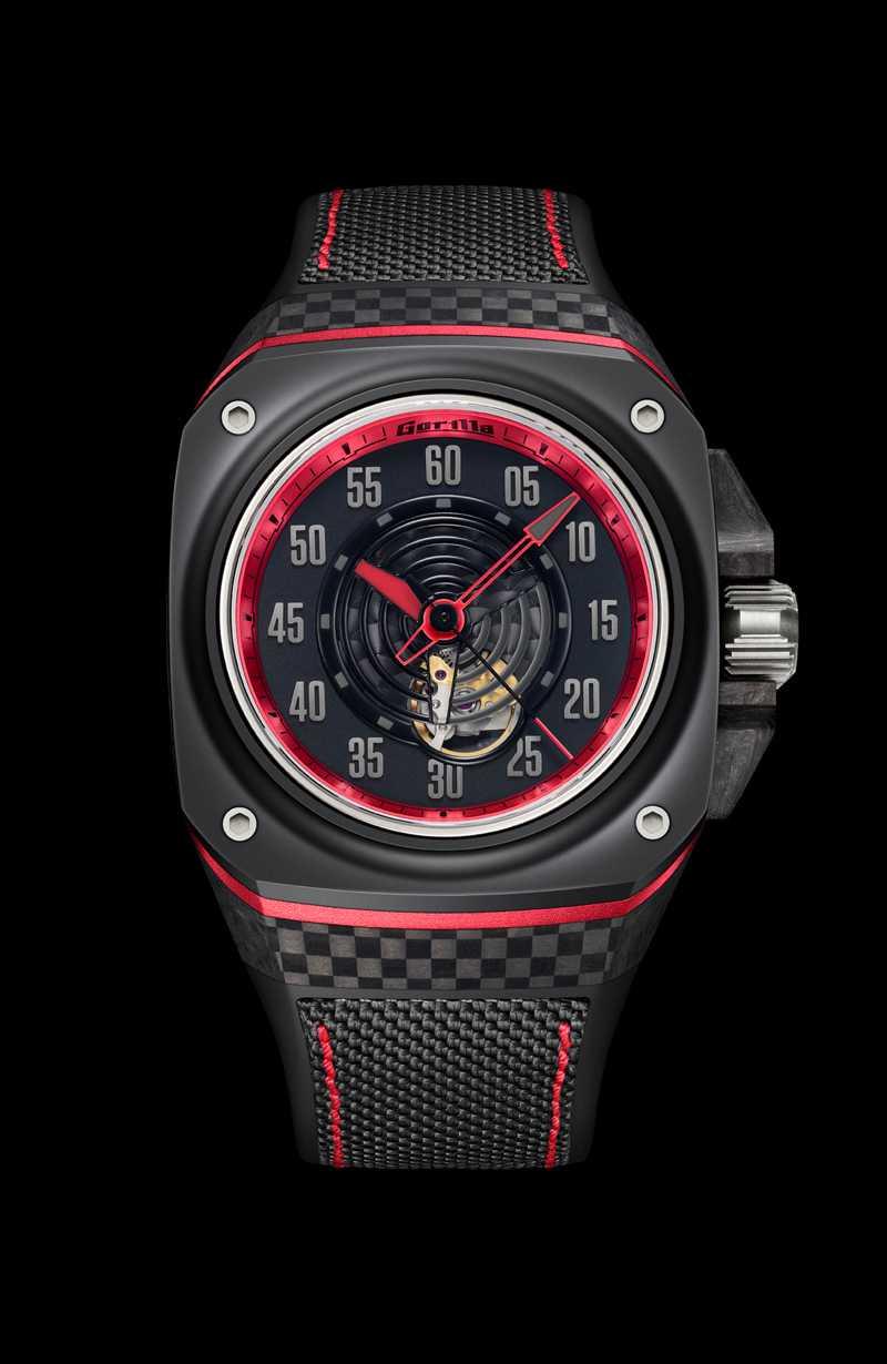Gorilla「FASTBACK GT SPECTRE大三針腕錶」,鈦金屬、鍛造碳、陶瓷錶殼╱71,000元(圖╱Gorilla提供)