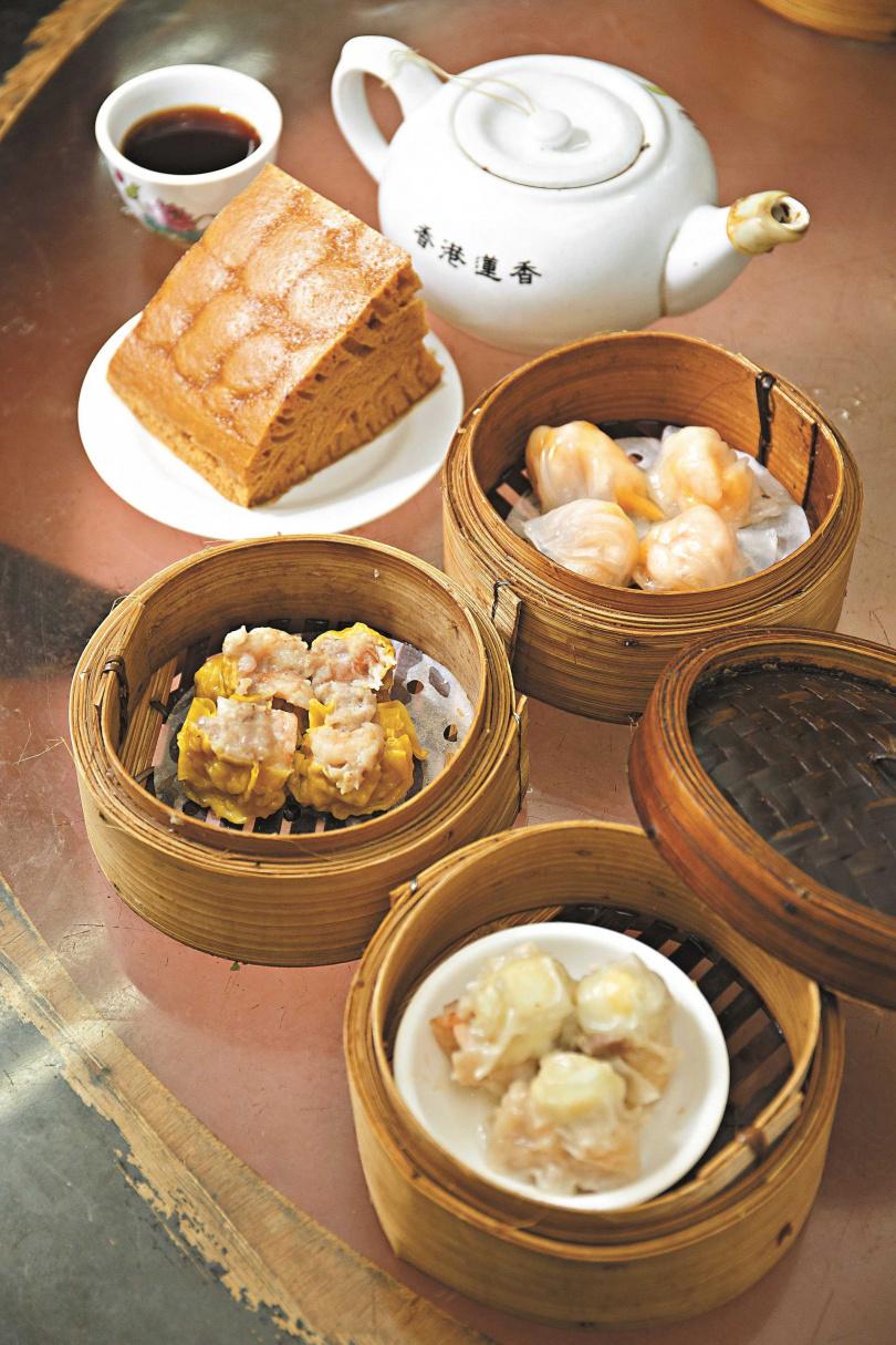 燒腩卷、雞球大包、鵪鶉蛋燒賣等,也是蓮香樓人氣點心。(圖/香港旅遊發展局提供,下同)